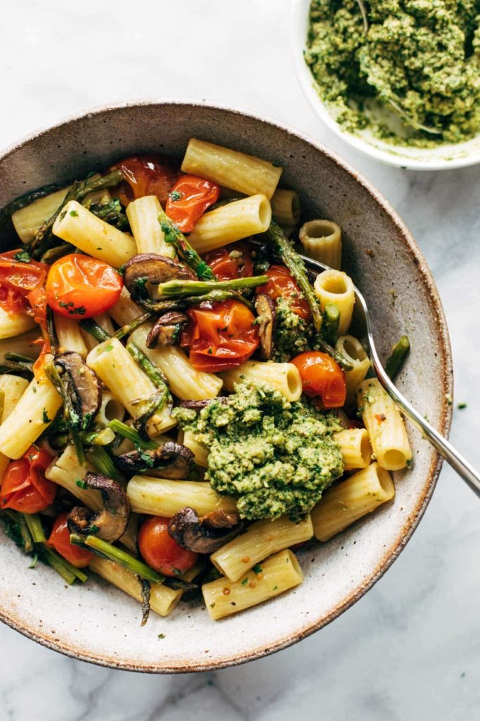 Farmer's Market Pasta with Walnut Pesto from Pinch of Yum on foodiecrush.com