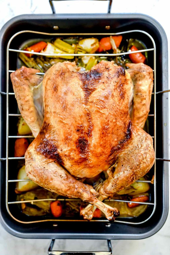 How to Cook a Perfectly Juicy Turkey | foodiecrush.com #turkey #recipes #dinner #thanksgiving