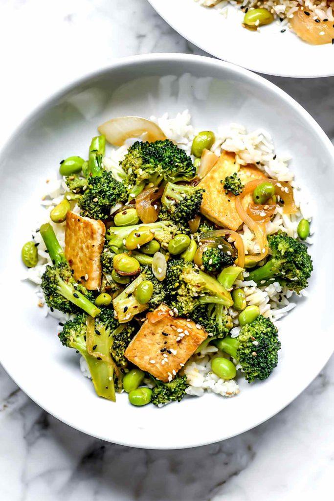 Sauté au tofu et au brocoli Teriyaki |  foodiecrush.com #brocoli #tofu #stirfry #dîner #recettes #sain