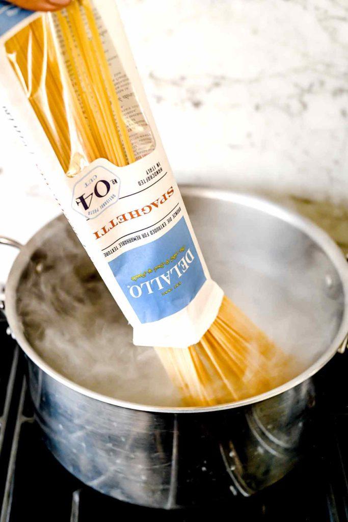 DeLallo Spaghetti in Boiling Water | foodiecrush.com