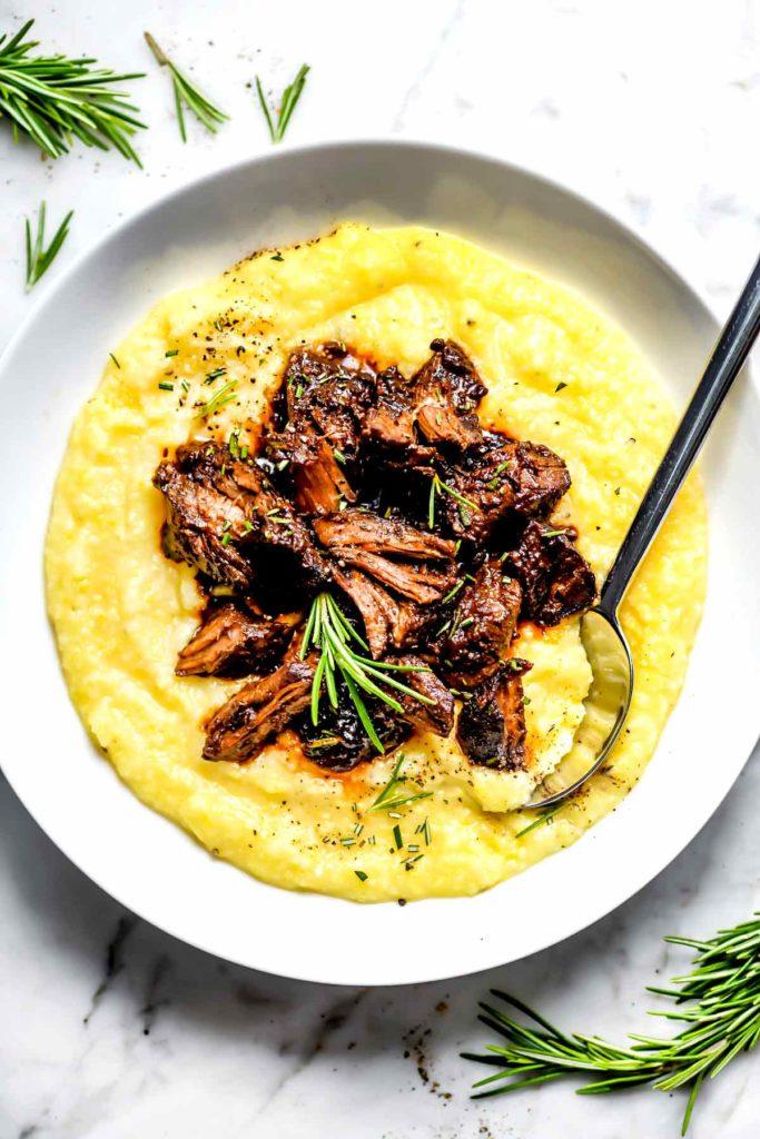 Ragoût de boeuf toscan sur polenta |  foodiecrush.com