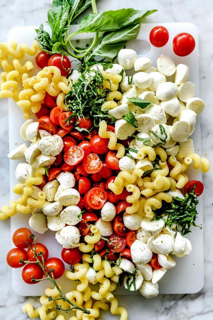THE BEST Caprese Pasta Salad Ingredients foodiecrush.com